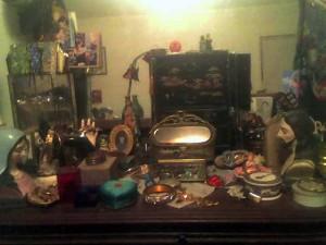 crap-on-my-dresser