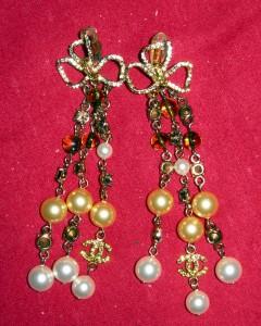 long-chanel-pearl-earrings2